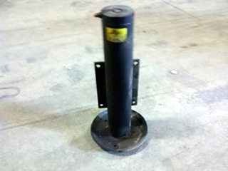 USED POWER GEAR LEVELING JACK P/N 501136 FOR SALE