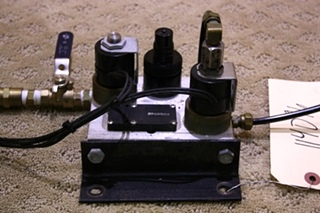 USED HWH MANIFOLD AIR SEAL 2 VALVE AP24552 FOR SALE