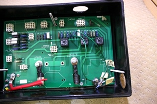 USED HOLIDAY RAMBLER BATTERY CONTROL CENTER 16615059